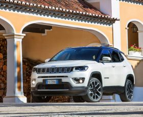 Analiză prețuri: Jeep Compass vs Volkswagen T-Roc