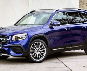 Cel mai nou SUV MERCEDES are MOTOR de DUSTER