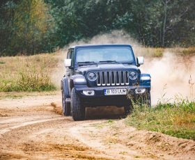 Unghiuri, glisade și distracție la Jeep Adventure Day 2019