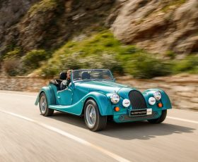 Morgan Plus Four, decapotabila cu motor de Supra